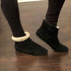 Lucky Brand Swede booties